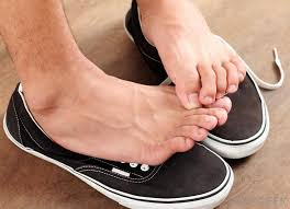 What Causes Itching Feet? (with pictures)