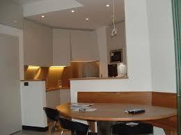 Tavoli Da Pranzo In Legno Design : Accessori per cucine con la stretta cucina design e blend