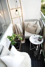 Soluzioni originali per arredare un balcone piccolo / Clever ideas for  decoring a small balcony