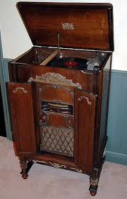 Finding The Value Antique Record Players Thriftyfun How Much Is