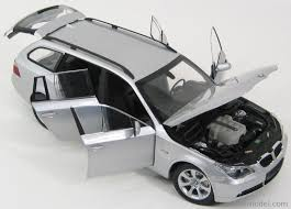 Sport Series 2005 bmw 545i : KYOSHO 08592S Scale 1/18 | BMW 5-SERIES 545i TOURING 2005 SILVER