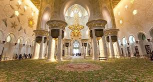 largest rug in the world inside the sheikh zayed grand mosque in abu dhabi