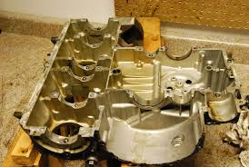 my first engine rebuild on a kz forum got the pistons off and finished dissembling the rest of the engine went pretty smooth except for one of the engine case bolts shearing off there was a