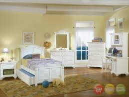 Small Cottage Bedroom Off White Cottage Bedroom Furniture Williams Sonoma Chelsea