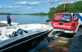 how to launch a boat 10 steps to get on the water rh boatsmartexam com boat trailer bunk guides florida boat trailer guides