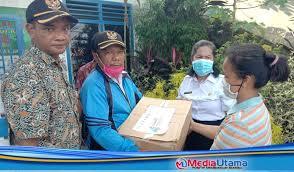 Website dinas komunikasi dan informatika provinsi sumatera utara. Desa Cinta Dame Salurkan Bantuan Sembako Dari Provinsi Sumut Kepada Guru Honorer Yang Terdampak Covid 19 Media Utama