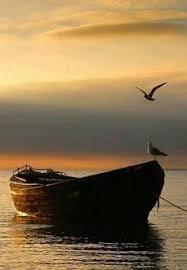 نتیجه تصویری برای قایق لنگر زده