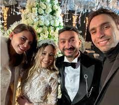 """مبتدا on Twitter: """"#شيكابالا وزوجته مع #حماقى ونجوم الفن فى حفل زفاف  #نادر_حمدى https://t.co/WlbKOyLfwr https://t.co/LIWdfXdjBk"""" / Twitter"""