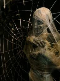 How To Make A Giant Spider Web 14 Over The Top Halloween Decorations To Terrify Trick Or Treaters
