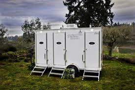 Oregon Posh Potties An Outdoor Wedding Essential - Luxury portable bathrooms