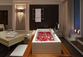 Romantic Hotel Room With Rose Petals L Debfe ...