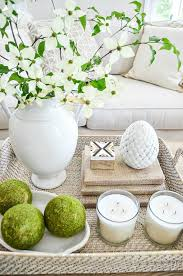 how to decorate a coffee table like a