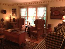 Primitive Paint Colors For Living Room Appealing Primitive Living Room Decorating Ideas Photo Lollagram