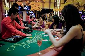 Singapore Bets on Casino Revenues - WSJ