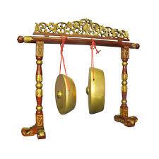 Alat musik yang dimainkan dengan cara dipukul atau termasuk alat musik yang menghasilkan bunyi ideofon ini berasal dari daerah jawa timur. 20 Alat Musik Betawi Dan Cara Memainkannya Tambah Pinter
