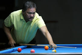 File:Efren Reyes in the World 9-Ball Pool Championship (3).jpg - Wikimedia  Commons