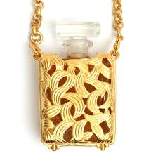 tom mini perfume bottle holder pendant necklace with the chanel perfume