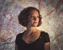 Dorothy Bird – Singer-Songwriter