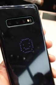 Внезапно. «Звёздный» <b>чехол LED Cover</b> для смартфонов ...