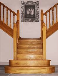 T-shaped staircase by Pear Stairs