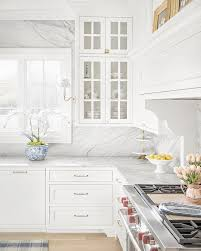 Benjamin Moore OC-117 Simply White Kitchen with White Carrara Marble ...