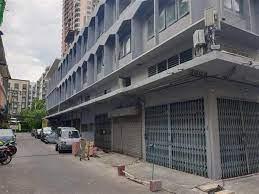 รหัสทรัพย์ R1603 ให้เช่า อาคารพาณิชย์ 10 คูหา พร้อมถนนส่วนตัว ใจกลางเมือง  สุขุมวิท คลองเตย - POOLPROP.com
