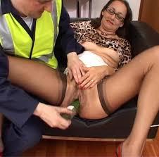 Mature pantyhose handjobs clips