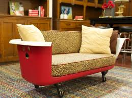 DSAL_red-bathtub-made-into-sofa_h
