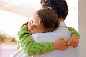 Resultado de imagen para un abrazo para a un niño