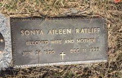 "Sonya Aileen ""Snook"" Brookman Ratliff (1930-1999) - Find A Grave ..."