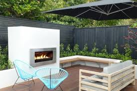 outdoor fires how to choose between gas and wood