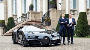 Let's check out what the bugatti chiron has to offer. Bugatti And Champagne Carbon