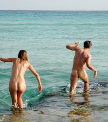 Girls clothless naked beaches swim