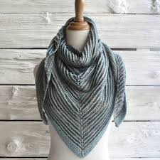Shawl Knitting Patterns Cool Manos Del Uruguay Shadow Shawl Free At WEBS Yarn