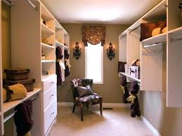 turning a bedroom into closet