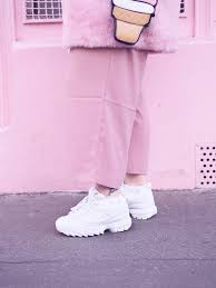 fila disruptor 2 pink. coat primark, t-shirt eleven paris, culottes new look, bag sincerely sweet, sunglasses zerouv and sneakers fila disruptor 2. 2 pink