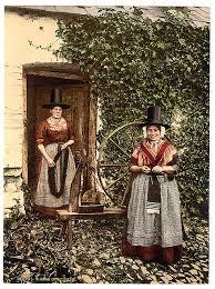 <b>Traditional</b> Welsh <b>costume</b> - Wikipedia