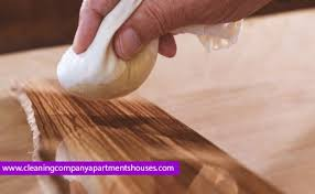 Best way to clean wood furniture Polishing How To Clean Wood With Vinegar And Olive Oil Ammonia Salvaged Inspirations How To Clean Wood Furniture Floors Kitchen Cabinets Laminate