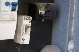 how to replace a blown fuse @home property management fuse keeps blowing in house at Broken Fuse Box