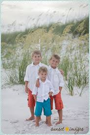For Family Pictures Best 25 Family Beach Poses Ideas On Pinterest Family Beach