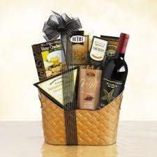 a cut above board royal treatment red wine gift basket