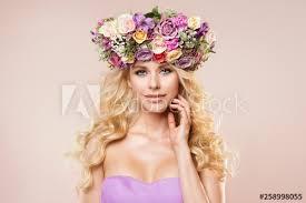 fashion models flowers wreath beauty