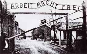Risultati immagini per messaggio sul cancello di auschwitz