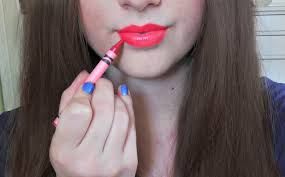 life hacks videos diy lipstick made out of crayons easiest way diy loop leading diy craft inspiration magazine database
