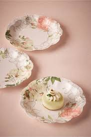 Pink Flower Paper Plates Paper Floral Cake Plates Corsage Paper Plates From Bhldn Wedding