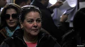 وفاة الفنانة المصرية دلال عبد العزيز بعد معاناة مع كورونا