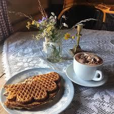 Bilderesultat for kakao og vaffel