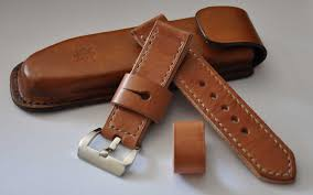 this is a 24mm handmade watch strap with a pre v 24mm buckle and a free deluxe handmade molded strap case the leather for the strap is top quality full