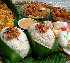 Untuk penyajiannya nasi kuning kerap dibentuk jadi kerucut, menggunakan cetakan tumpeng. 10 Resep Aneka Nasi Uduk Gurih Enak Dan Bisa Dijadikan Ide Jua