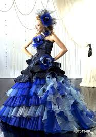 花嫁のスタイル別 おしゃれカラードレス髪型80選